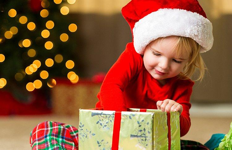 Vous cherchez à faire plaisir à un enfant de 3, 4 ou 5 ans ? Vous hésitez sur le cadeau idéal ? Découvrez nos conseils pour bien choisir.