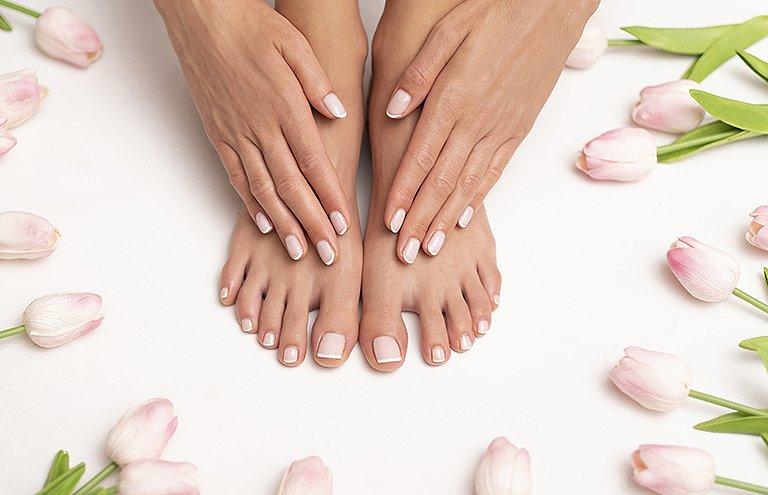 Prendre soin des pieds secs et des mains après l'été